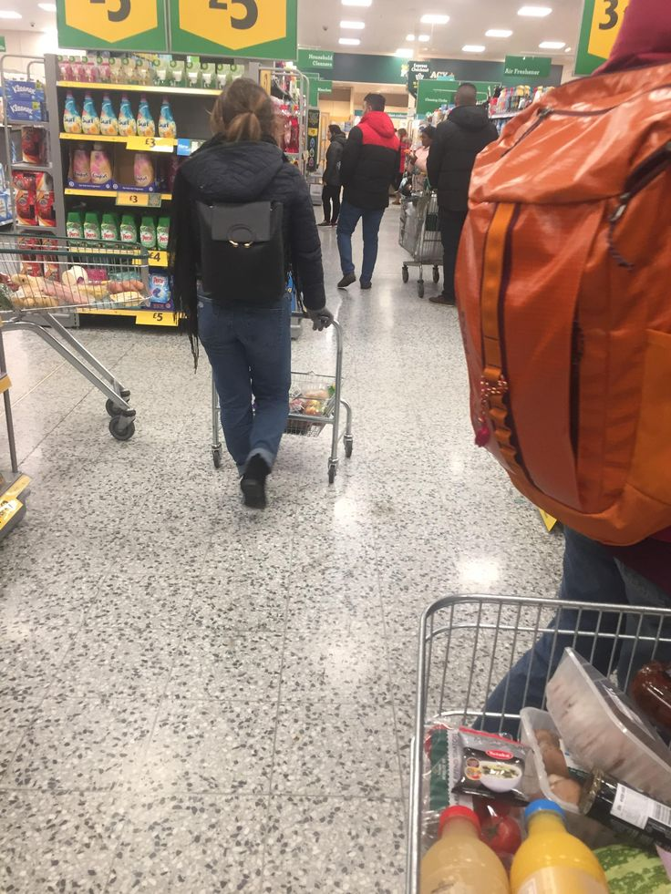Ingenious solution to the basket shortage in Morrisons