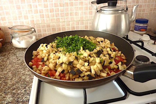 zaalouk moroccan eggplant tomato spread