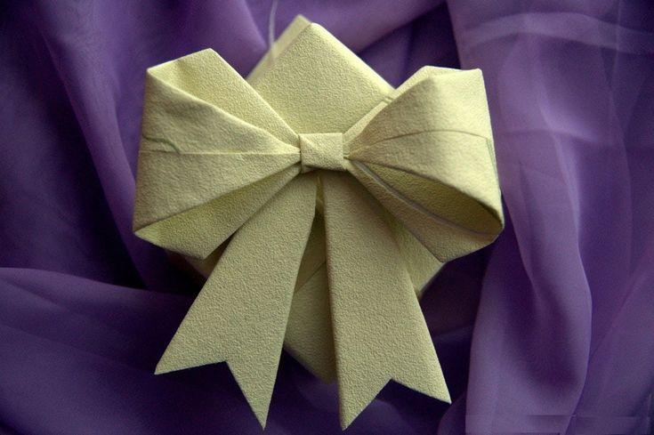 Bo każdy prezent powinien mieć kokardkę ;)  #instrukcja #instruction #instructions #handmade #rekodzielo #DIY #DoItYourself #handcraft #craft #lubietworzyc #howto #jakzrobic #zrobtosam #stepbystep #instrucción #artesania #声明 #origami #paperfolding #折り紙 #摺紙 #elorigami #papier #zpapieru #paper #papel #depapel #紙 #紙巾 #kokarda #bow #hairbow #lazo #Schleife # бант #結 #ozdoby #dekoracje #decorations #decorado #布置 #Dekorationen #украшения #prezent #present #gift #regalo #恩赐 #Geschenk #Подарок