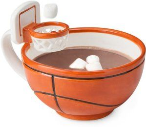 「食べ物で遊ぶことができたら、この世界はもっと楽しくなる」--そんな愛らしいビジョンのもと、少年 Max 君によって開発されたマグカップがこれだ!