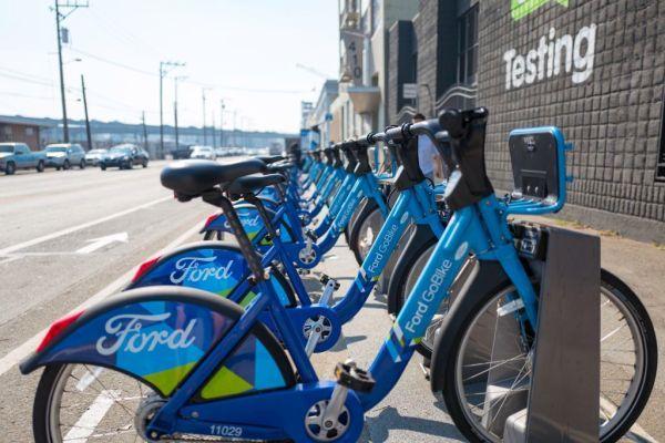 Lyft Sues Sf Over Bike Share Program With Images Bike Share Bike Bike News