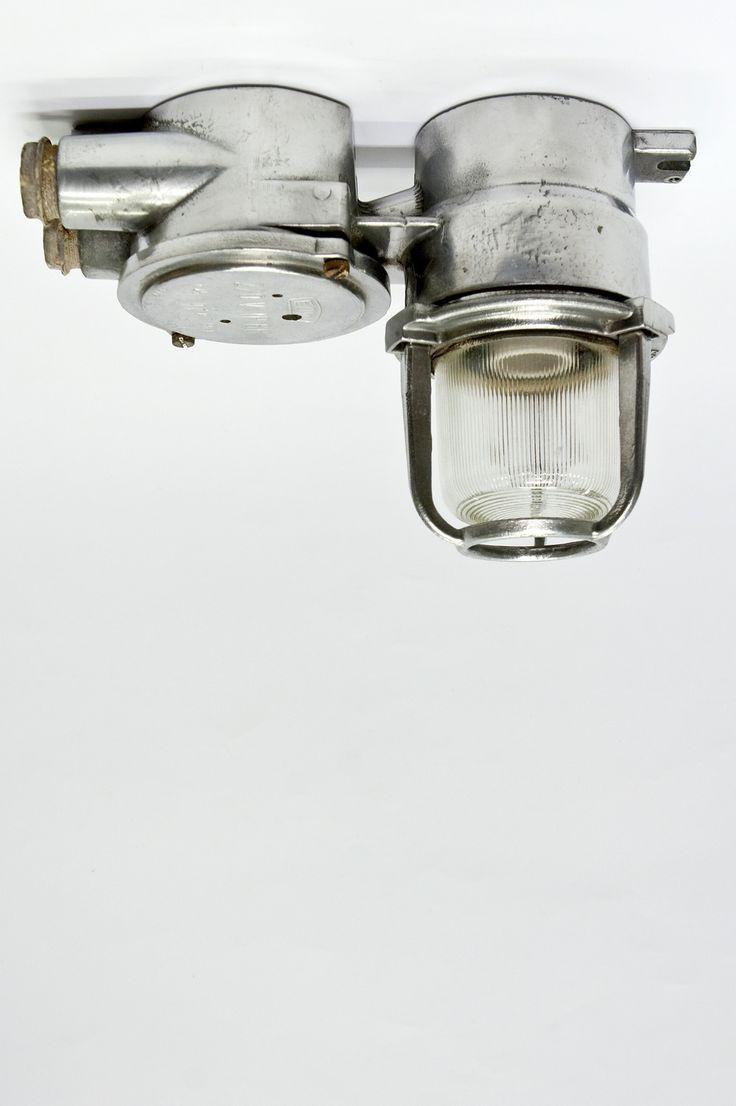 Bijzondere Plafondlamp, Industrieel Design, rond 1970