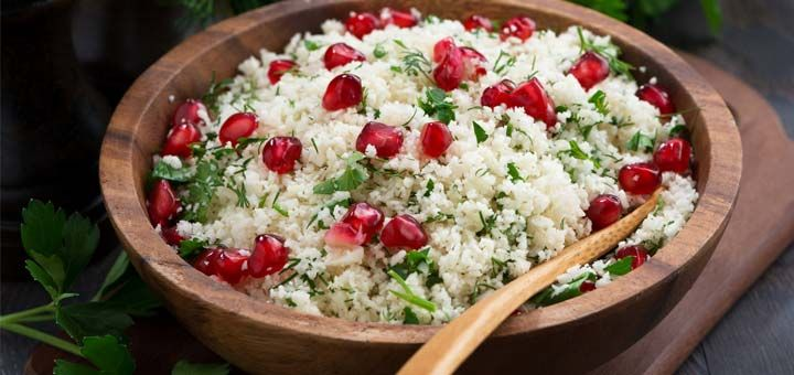 This raw tabbouleh bursts with flavor and totally makes you think that you aren't even eating raw foods. The pomegranate seeds add a refreshing, crunchy, and fruity element to this entree.