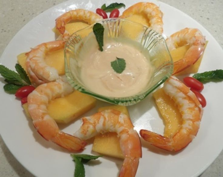 PRAWN COCKTAIL WITH ROCK-MELON http://recipeyum.com.au/easy-prawn-cocktail-with-rockmelon/