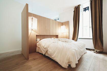 La tête de lit impose son style