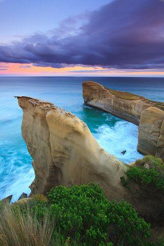 Tunnel Beach, New Zealand | Simon East via Flicr