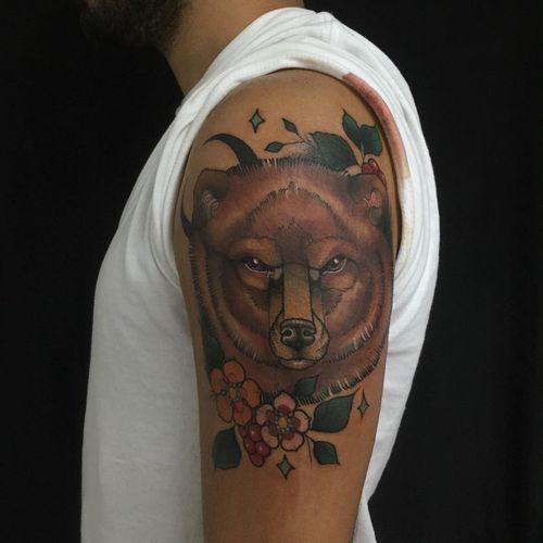 snazzy grizzly bear tattoo