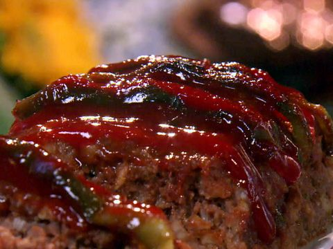 Classic Meatloaf Recipe Video : Food Network - FoodNetwork.com