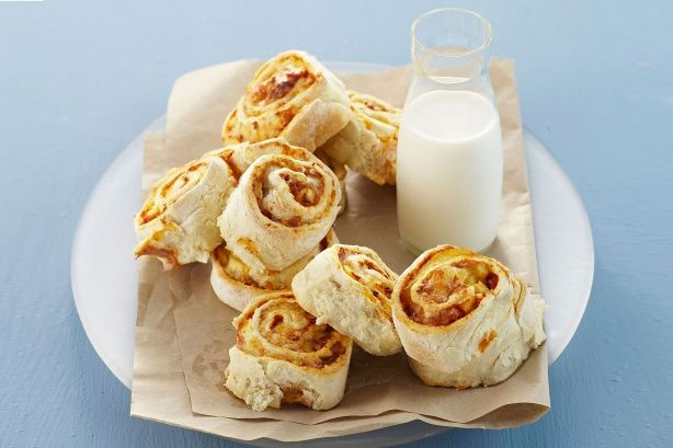 These ham and cheese pinwheels are a great lunch idea for your kids.