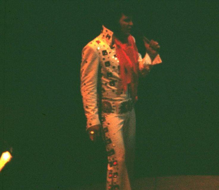 178 best Elvis at the Garden vol.3 images on Pinterest | Elvis in ...