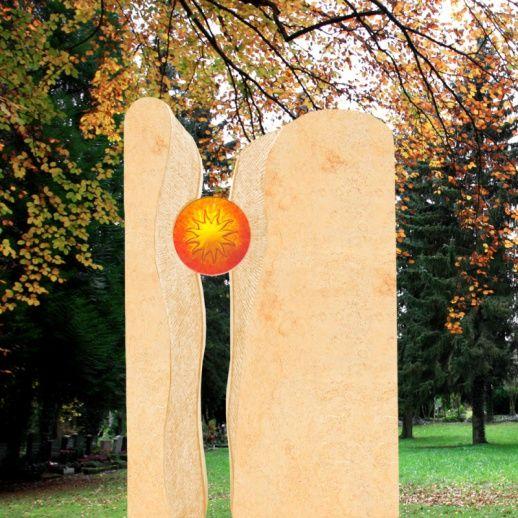 Stilvolles Grabmal Sandstein zweiteilig mit Glas Sonne • Qualität & Service direkt vom Bildhauer • Jetzt Grabstein online kaufen bei ▷ Serafinum.de