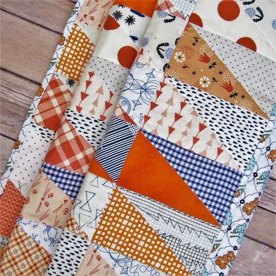 Half Rectangle Triangle Quilt - HRT Quilt - Auburn Baby Quilt - Lindy J Quilts