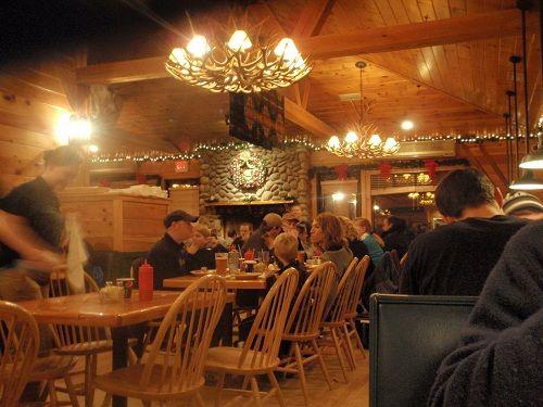 Muddy Moose Restaurant and Pub - North Conway, NH http://www.top-ten-travel-list.com/rr.php?rrid=10#.UXmN68qU9_Q
