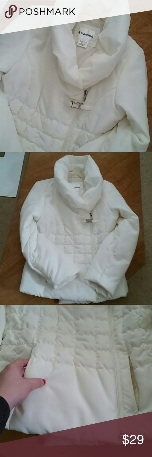 Quilted Cozy Warm Puffer Cowl White Jacket Coat Extremely warm and comfortable puffer jacket, only worn a few times. Amazing for winter with a puffy cowl neck and padded pockets. Asymmetric zip overlapping for extra warmth, you will not feel the wind in this coat. White to off White. Size small 4/6 Jackets & Coats Puffers