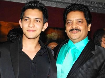 Aditya Narayan says that his dad was to sing song Tattad Tattad! - http://www.bolegaindia.com/gossips/Aditya_Narayan_says_that_his_dad_was_to_sing_song_Tattad_Tattad-gid-36355-gc-6.html