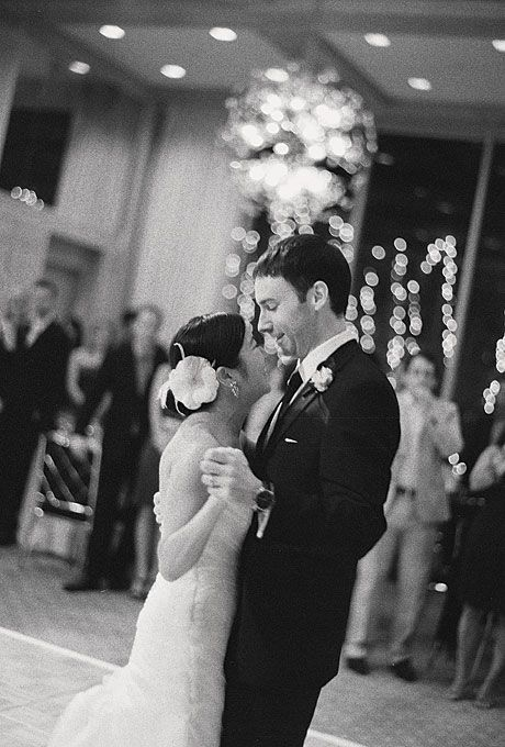 The Newlyweds First Dance Was To Frank Sinatras Fly
