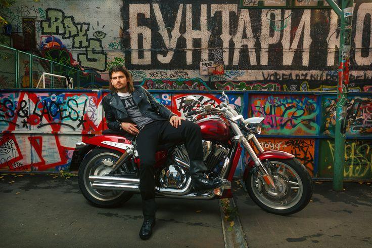 Moscow. Myasnitskaya ulitsa. Graffity. Bike. Nemanja Pejchinovich. Football player. Lokomotiv