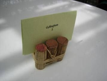 Hosting a wine tasting or dinner for wine enthusiasts?  These place card holders are simple and easy.