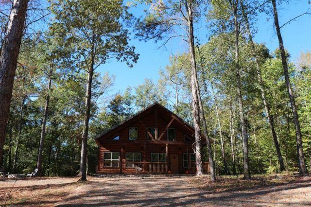 Beavers Bend Cabins Rental Search Broken Bow Lake Cabin In 2020 Lake Cabins Cabin Rentals Broken Bow Lake