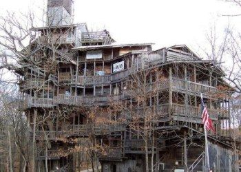 WorldsTallestTreehouse - Horace Burgess built over 15 years of recycled materials and allows anyone to visit.