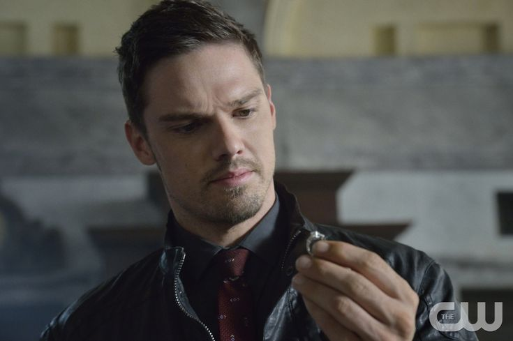 """eauty and the Beast -- """"The Beast of Wall Street"""" -- Image Number: BB301A_0142 -- Pictured: Jay Ryan as Vincent -- Photo: Ben Mark Holzberg/The CW -- © 2015 The CW Network, LLC. All rights reserved."""