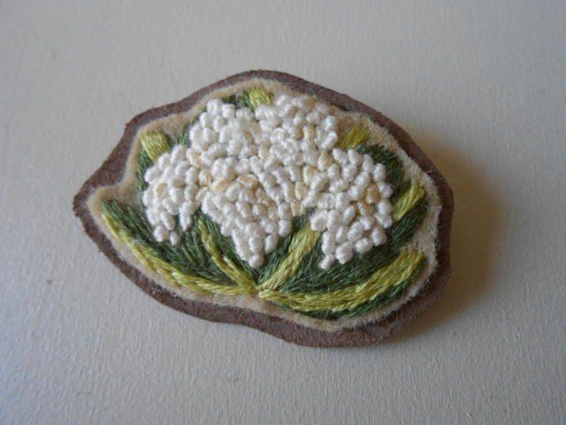 刺繍ブローチ 野菜 - Mameto