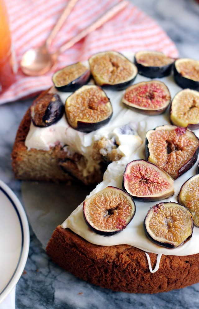 Almond Honey Cake with Roasted Figs and Mascarpone Frosting | Joanne Eats Well With Others @joanneeatswell