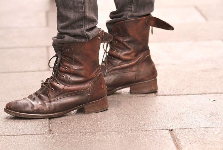 Botas marrones estilo vintage.