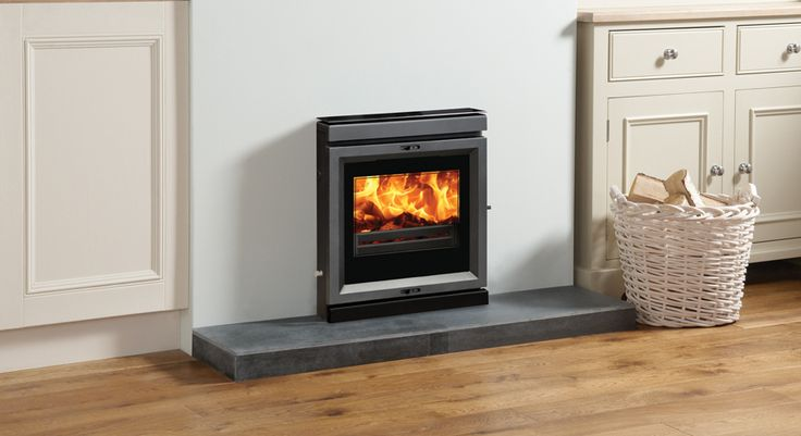 Stovax View 7 Wood Burning Fire at Fireplacce World Glasgow. http://www.fireplace-world.com