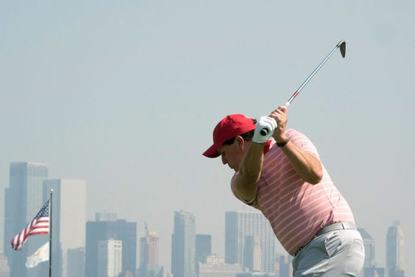 phil mickelson 2017 presidents cup | Presidents Cup 2017: Golfers will STAND for the national ...