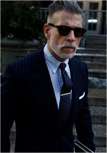 27 Μοντέρνοι συνδυασμοί ρούχων για άνδρες άνω των 40!   The-Man.gr