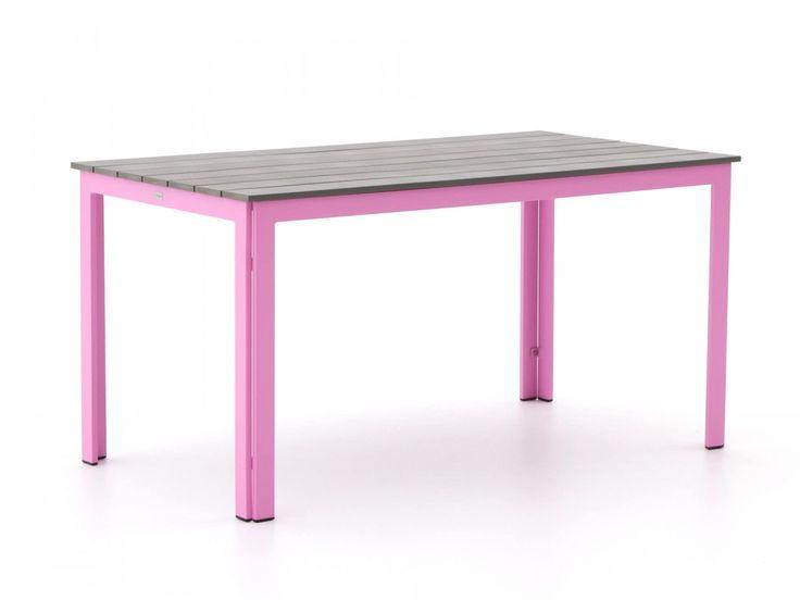Tafel voor buiten met roze poten