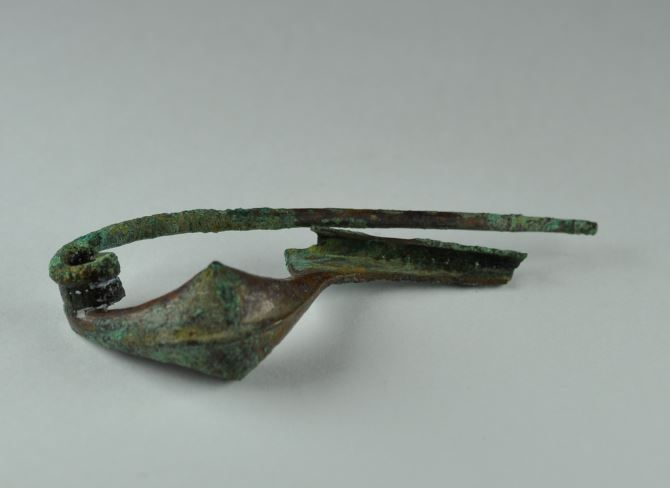 Etruscan bronze fibula, 6.3 cm long. Private collection