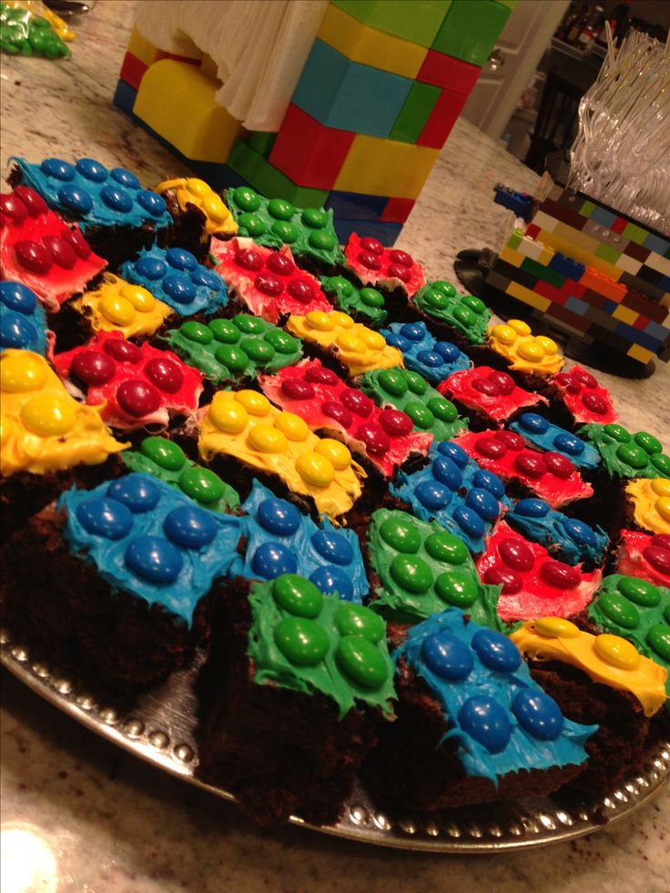 Nick's 6th Birthday party .... NINJAGO Lego brownies!