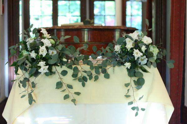 シェ松尾松濤レストラン様の装花 コットンとユーカリ 冬の暖かな花 : 一会 ウエディングの花