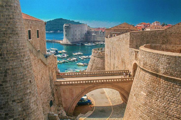 25viagens que vale apena fazer aomenos uma vez navida - Caminhar pelas muralhas de Dubrovnik,