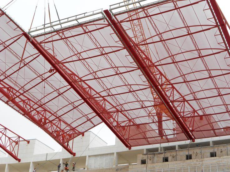 Construction de la toiture du stade d'Agadir - Gregotti et Benkirane Architectes - MaP3 Structure - entreprise Menasteel