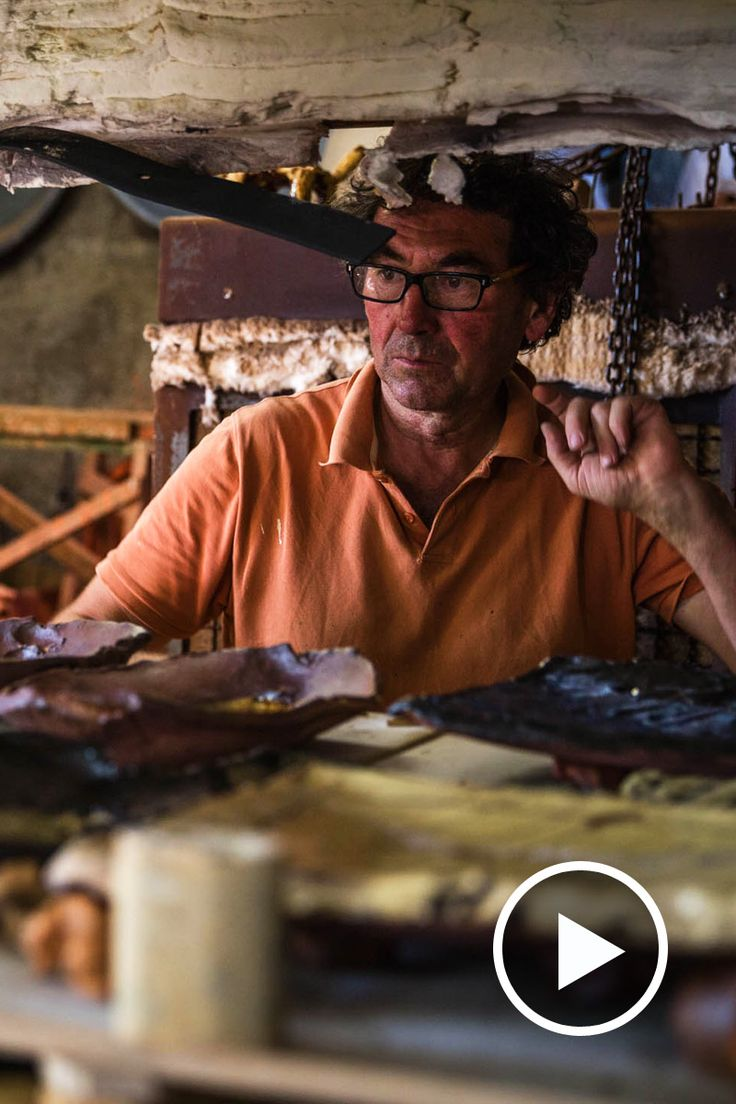 Back in 2013 we shot a film of slipware potter Jean-Nicolas Gérard as he prepared for his first show at Goldmark. Watch him working here. via…