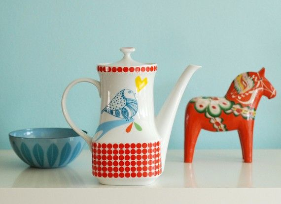 Birdlove Teapot by Ninainvorm