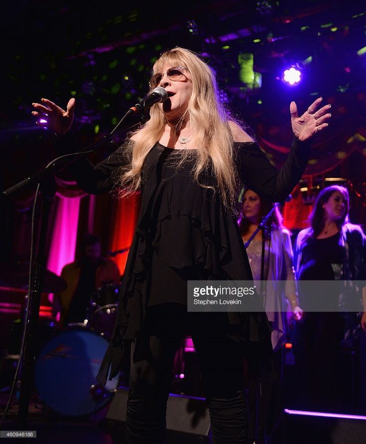 Singer Stevie Nicks performs with Deer Tick as part of The Deer Tick 10 New Year's Eve 2015 at Brooklyn Bowl on December 31, 2014 in New York City.