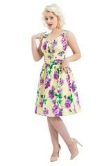 Just looking at this dress with the pretty floral prints makes us feel so warm and ready to take on the world.  #badbettycouture #summerwardrobe #shopping #onlineshopping #pinup #retro #50s #pinupgirl #pinupaustralia #voodoovixen #finleydress #swingdress #floralprint