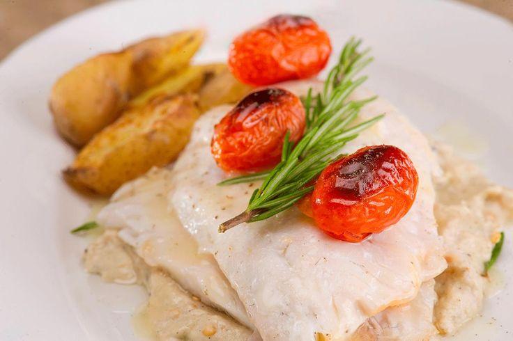 Frossen fisk trenger faktisk ikke å tines. Men den må tilberedes på riktig måte for å bli god og saftig. Sjekk hvordan du lykkes med frossen fisk.