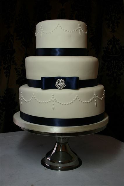 3 tier blue wedding cake 38 best images about wedding cakes on cakes 10215