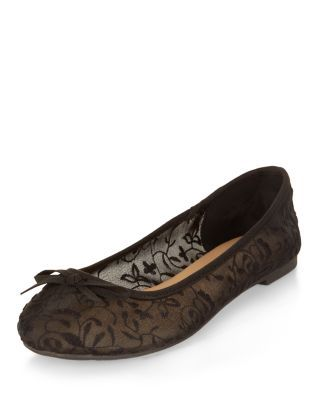 Wide Fit Black Daisy Crochet Ballet Pumps | New Look