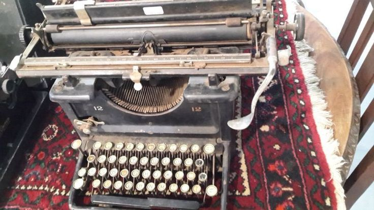 Remington  and Underwood.  From R1250.  View at 15 steenbras St Hermanus Industrial. Nostaltiques ...177429136