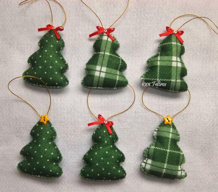 Enfeites coloridos para árvore de Natal.     Doce de Natal e biscoito de gengibre feitos de feltro.        Enfeites modelo bola com apl...