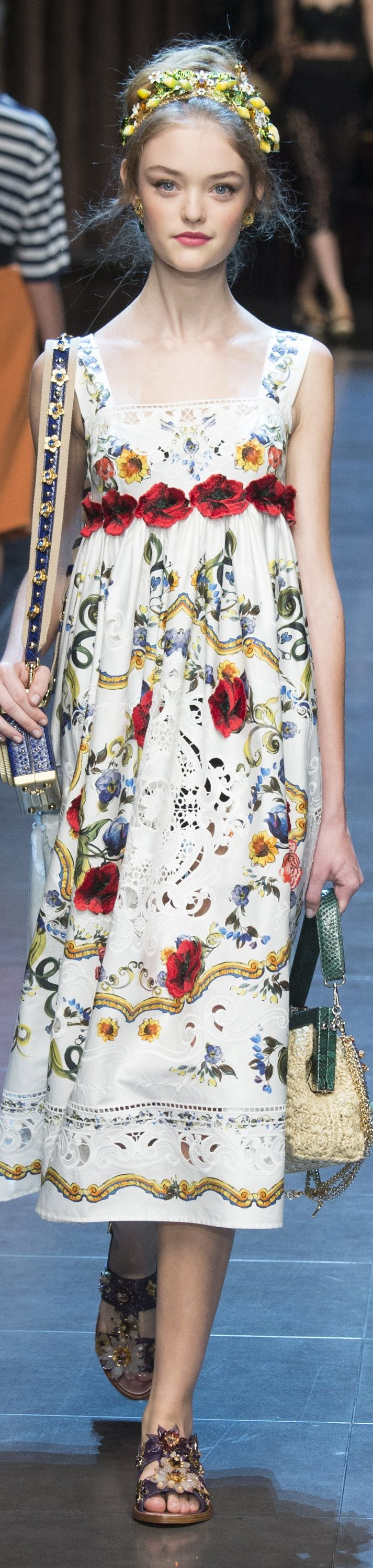 Dolce & Gabbana Spring 2016 RTW so sweet, you could get married in this dress... boho or garden or beach wedding