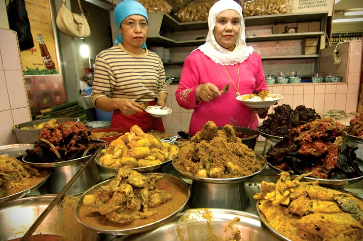 As Rendang is recognized as one of the most delicious dishes of the world, the legendary taste of Padang cuisine hasspread beyond its home town in West Sumatra to the international world.