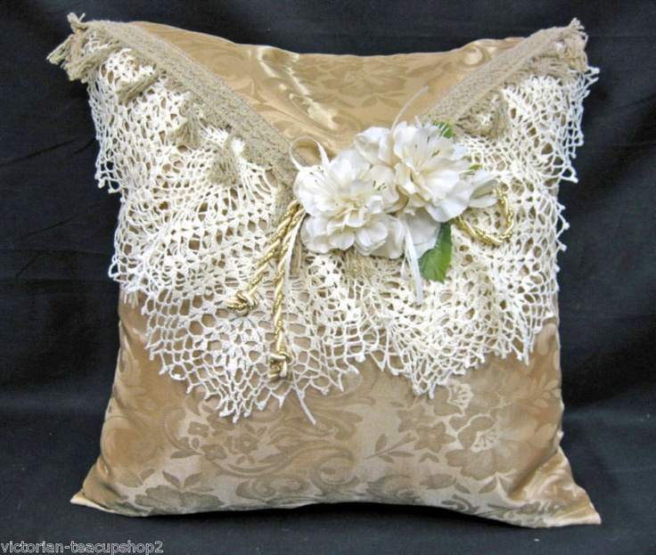Vintage Victorian Pillows : Shabby pillow with lace. Shabby Chic Pinterest