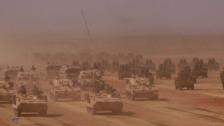 """Chinas waffenstarrende Armee: """"Kameraden, Ihr habt hart gearbeitet!"""""""